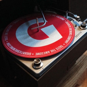 gigantic_slipmat_1